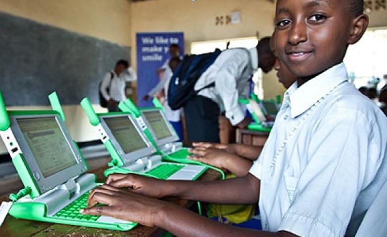 L'impegno di Google per migliorare la connettività in Africa: 1 mld di dollari per cittadini e imprese
